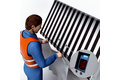 Reliable detection even of reflective safety vests