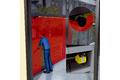 Liikkuvien lasiseinien valvonta henkilöiden suojaamiseksi