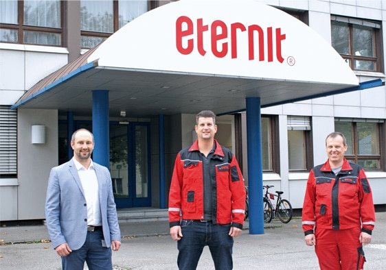 From left: Georg Lehbrunner, Regional Sales Manager at SICK Austria, Roman Felbinger, Maintenance Planning at Eternit, and Dietmar Futterknecht, Electrical and Automation Engineering at Eternit.