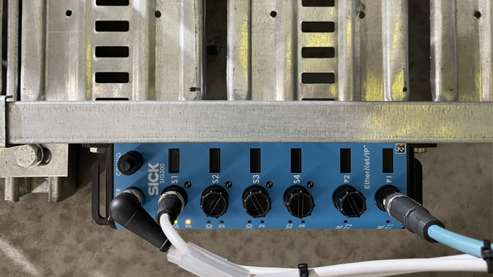 Monitoring the air supply through the SIG200 Sensor Integration Gateway.