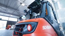 Camera system reduces collision risk for manned forklift trucks