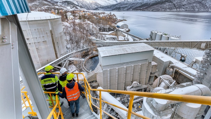 In the middle of the harsh Norwegian remoteness, the world's northernmost cement plant is taking on a remarkable task: Norcem Kjøpsvik produces cement for the domestic market