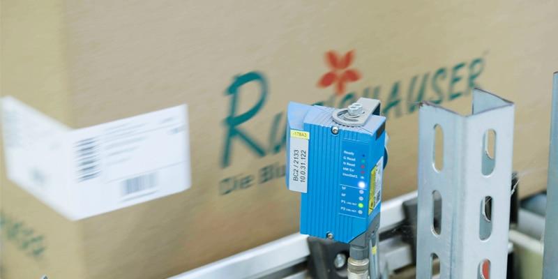 Identifikation eines Kartons mit CLV Barcodescanner