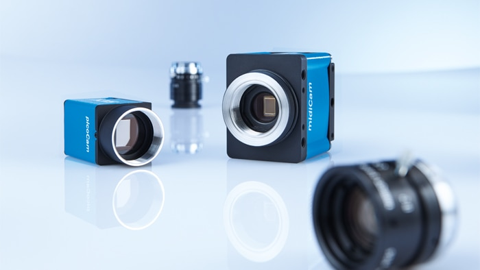 Easy to plug-and-play: combined with the photoelectric sensors from SICK a high-quality optical machine vision was created.