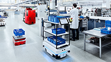 Industry 4.0 is picking up speed: Sensor solutions for mobile vehicles and carts
