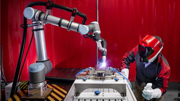 The Cobot solution from Lorch can be used to perform welding tasks on thin sheets with and without filler metal