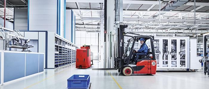 image d'un AGC et AGC dans un entrepôt
