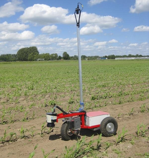 LMS111 2D laser scanners navigate agricultural robots