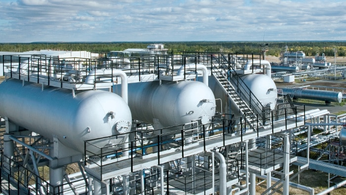 Processes in oil refineries or natural gas processing plants which remove mercaptanes or hydrogen sulfide are referred to in general as desulphurization processes.