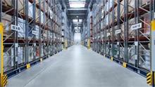 Les solutions de sécurité SICK assurent le déplacement de hauts rayonnages en toute sécurité