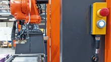 Designed for safety: safety light curtains for compact palletizing applications