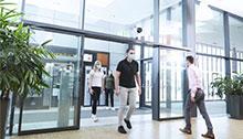 Mesurer les distances et l'utilisation des espaces communs grâce au comptage de personnes