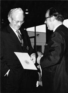 Erwin Sick erhält das Bundesverdienstkreuz