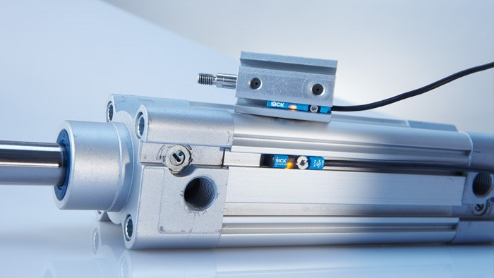 Magnetic cylinder sensors equipped for all installation locations and conditions in pneumatic systems